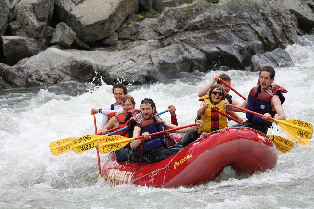 picthrive - whitewater rafting - photo sharing - customer engagement